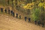 Policisté celý týden po útěku dvojnásobného vraha Jiřího Kajínka prohledávájí okolí věznice Mírov na Šumpersku.